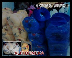 Souvenir Bantal leher Fist Travel